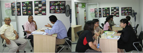 Counselling in progress - Prof Sanjay Jasola (left) and Teoh Ai Ping (right).