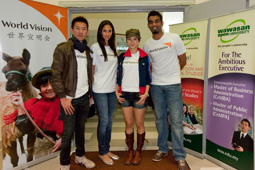 The celebrities (from left to right): Royce, Deborah, Lee and Roshan.