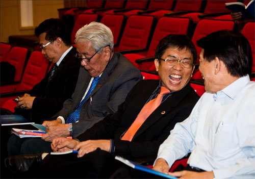 From right to left: Dr Teng, Kam, Soong and Dr Andy.