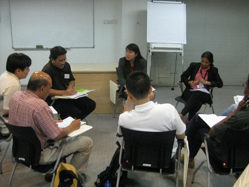Dr Teoh (centre) with Lecturer Deehbanjli (right).