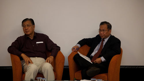 Dato' Dr Sharom Ahmat with Prof Woo.