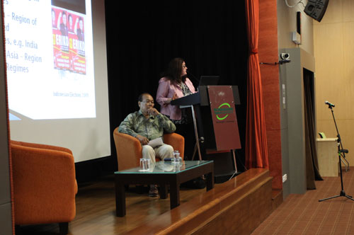 Tunku Abdul Aziz Ibrahim (seated) chaired the session.