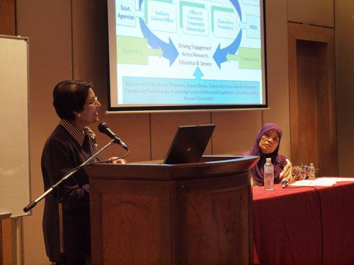 UKM Deputy Vice Chancellor Prof Saran Kaur Gill delivers her talk.