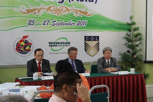 (From left) Prof Morshidi Sirat, Sir John Danilel and Prof Wong Tat Meng.