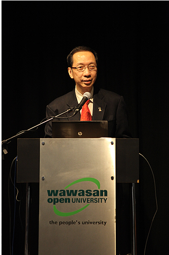 Minister in the Prime Minister's Department, Tan Sri Dr Koh Tsu Koon, addresses at the closing.