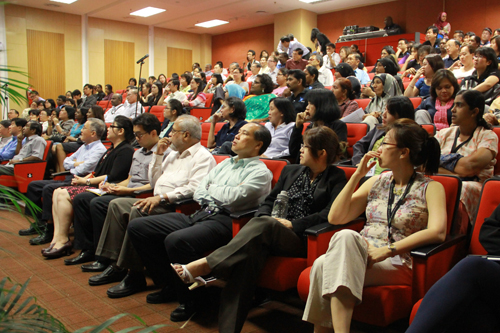 Deputy Vice Chancellor (Operations) Dr Seah Soo Aun (seated front, 3rd from right) and other senior management staff listening to the proposed plan.