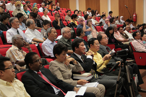 Penang Chief Minister Lim Guan Eng attends the lecture.