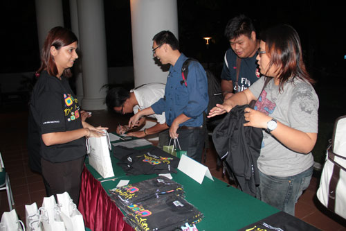 Guests register and choose their t-shirts.