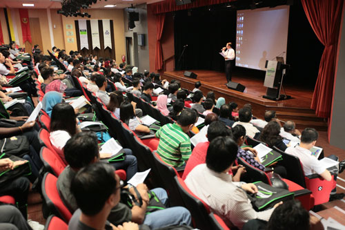 Students attend Orientation at the main campus.