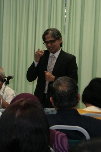 Dr Sanjay Mishra from CEMCA.