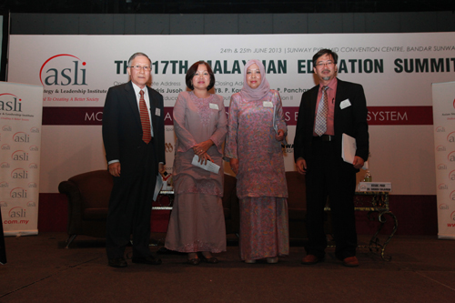(From left) Prof Ho, Prof Latifah, Asian Metropolitan University Vice Chancellor Dato' Prof Nik Rahimah Nik Yacob and Dr Shukri.