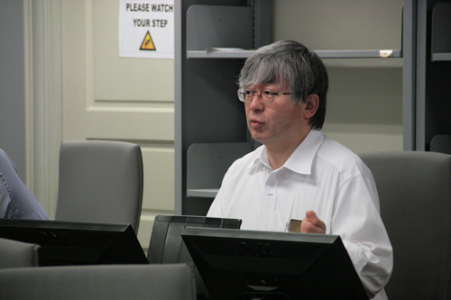 Prof Yamada gives his welcoming remarks.