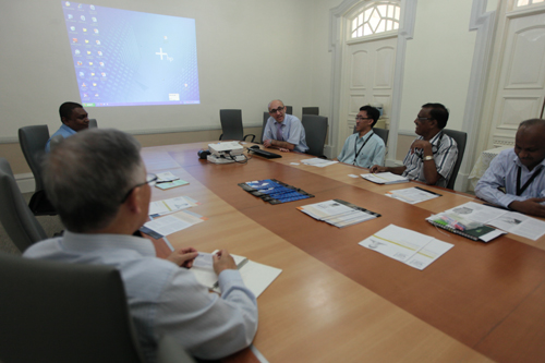 Meeting between Dr Alireza and WOU academics.