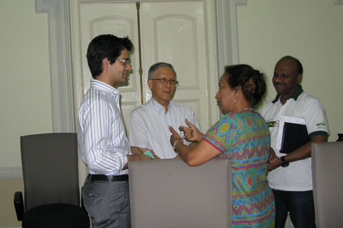 Prof Madhulika (2nd from right) has an informal chat after the meeting.