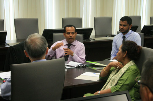 Ramiz (centre) elaborates on the ODL students at MNU. On his left is Zaidh.