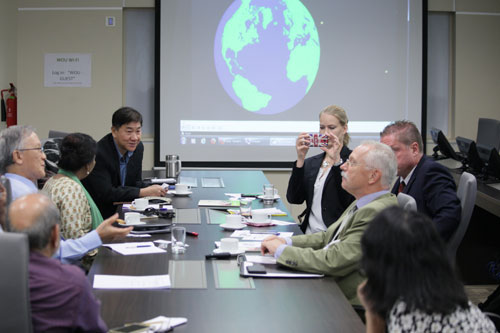 Discussion between WOU top management and the German delegation.