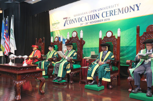 Tun Chancellors declares commencement of ceremony.