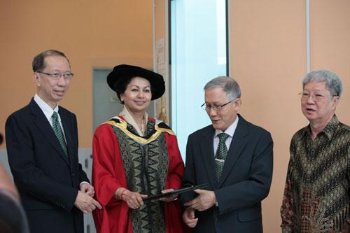 (From left) Tan Sri Dr Koh Tsu Koon, Prof Kanwar, Prof Ho and Dato' Emeritus Prof Dr Wong Tat Meng.