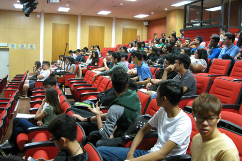 Part of the students at the annual general meeting.