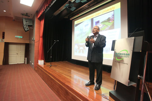 Prof Santhiram elaborates on the open distance learning model to freshmen at the main campus in Penang.