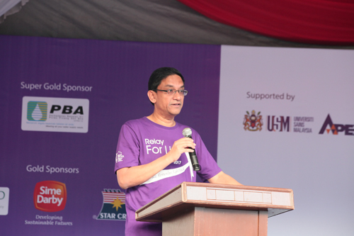Prof Abdul Rahman calls on the crowd to make healthy lifestyle choices.