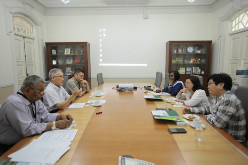 Meeting between the University's senior management and the delegation from the Methodist Council of Education.