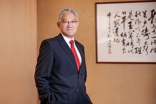 Dr William Fung.