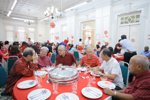 For WOU Vice Chancellor Dato' Dr Ho Sinn Chye and Dato' Sharom Ahmat (3rd and 4th from right) at the luncheon.