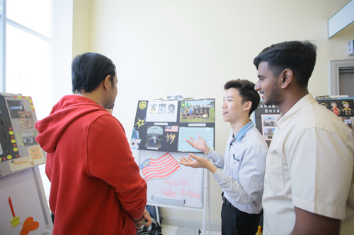 Two members of the Nasi Kandar group, which won Best Theme, explain their concept.