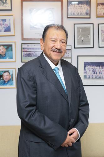 Tunku Tan Sri Imran Tuanku Ja'afar.