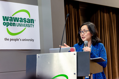 WOU School of Science & Technology Dean Assoc Prof Dr Wendy Bong Chin Wei speaking at the opening of the workshop..