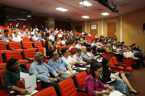 Tan Sri Dr Koh (foreground, front row) and the other attendees at the seminar.
