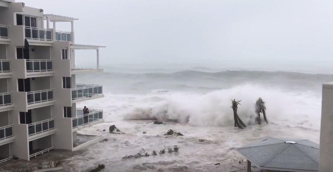 Irma eye waves2.jpg