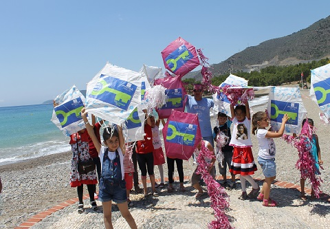 Pinepark Holiday Club uses kites to inform children about Green Key