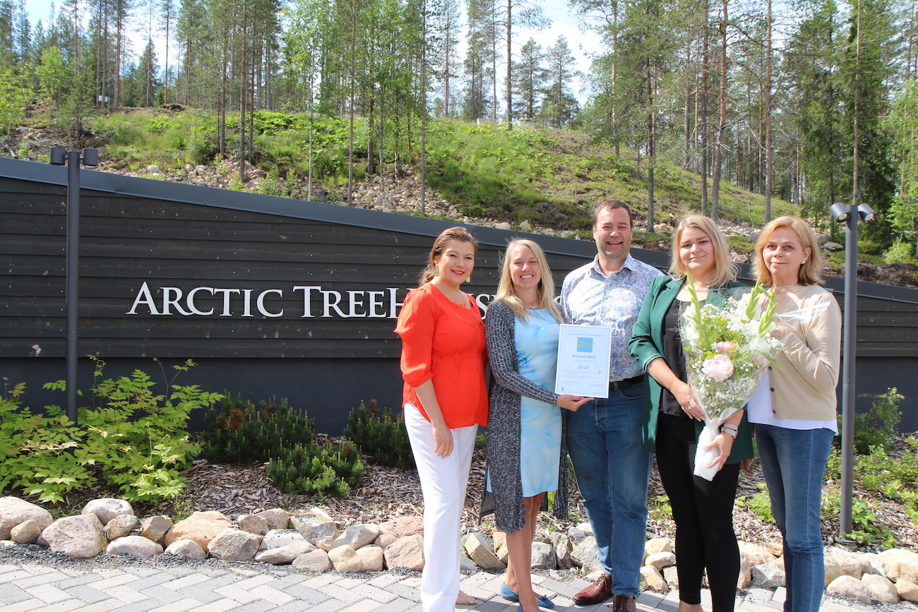 From left to right: Katja Ikäheimo-Länkinen (owner, ATHH), Liisa Kokkarinen (manager, regional partnerships, Visit Finland), Ilkka Länkinen (owner, ATHH), Tina Kaikkonen (hotel manager, ATHH), Pirjo Pääkkönen (Green Key ambassador, ATHH)