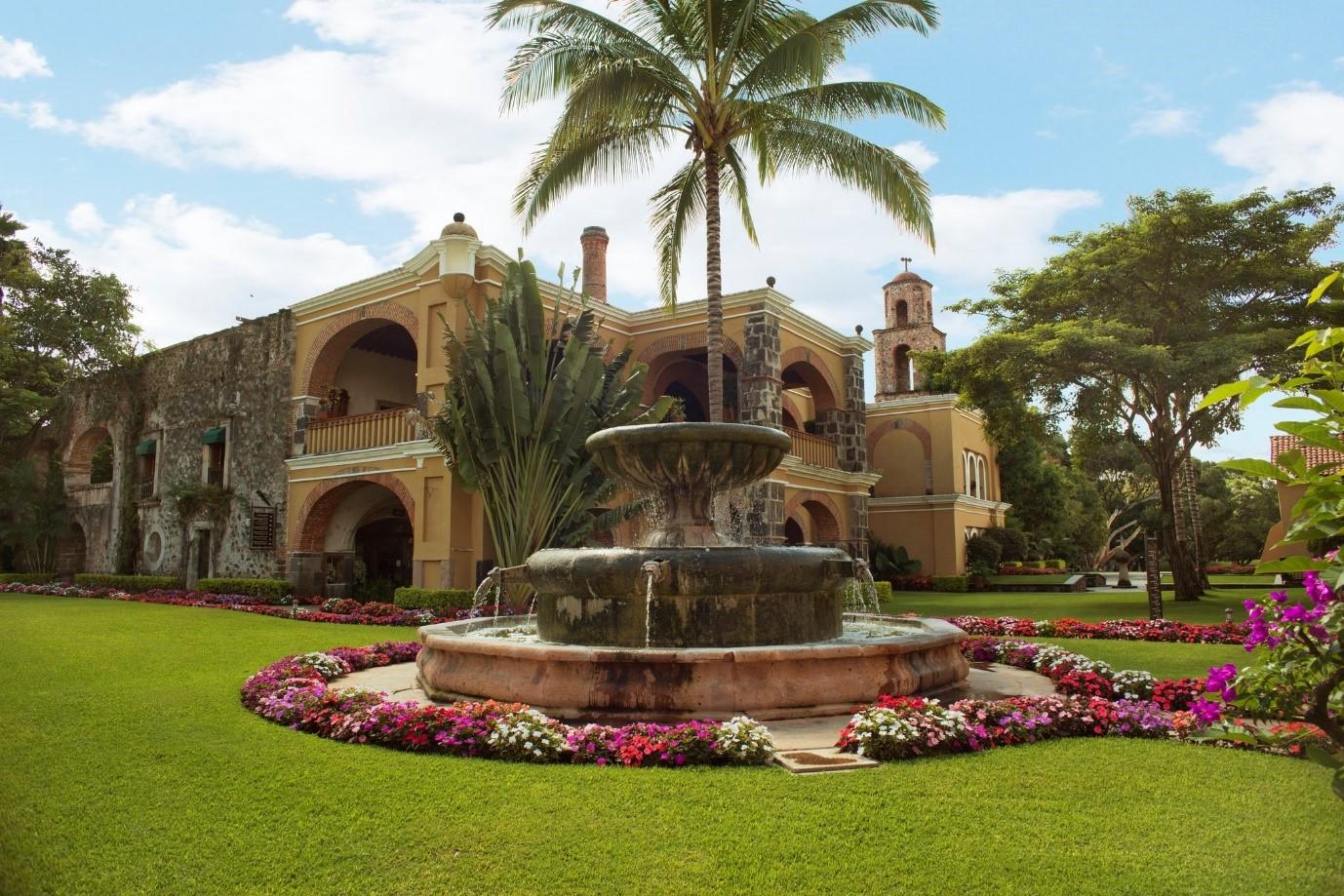 Mexican hacienda2.jpg