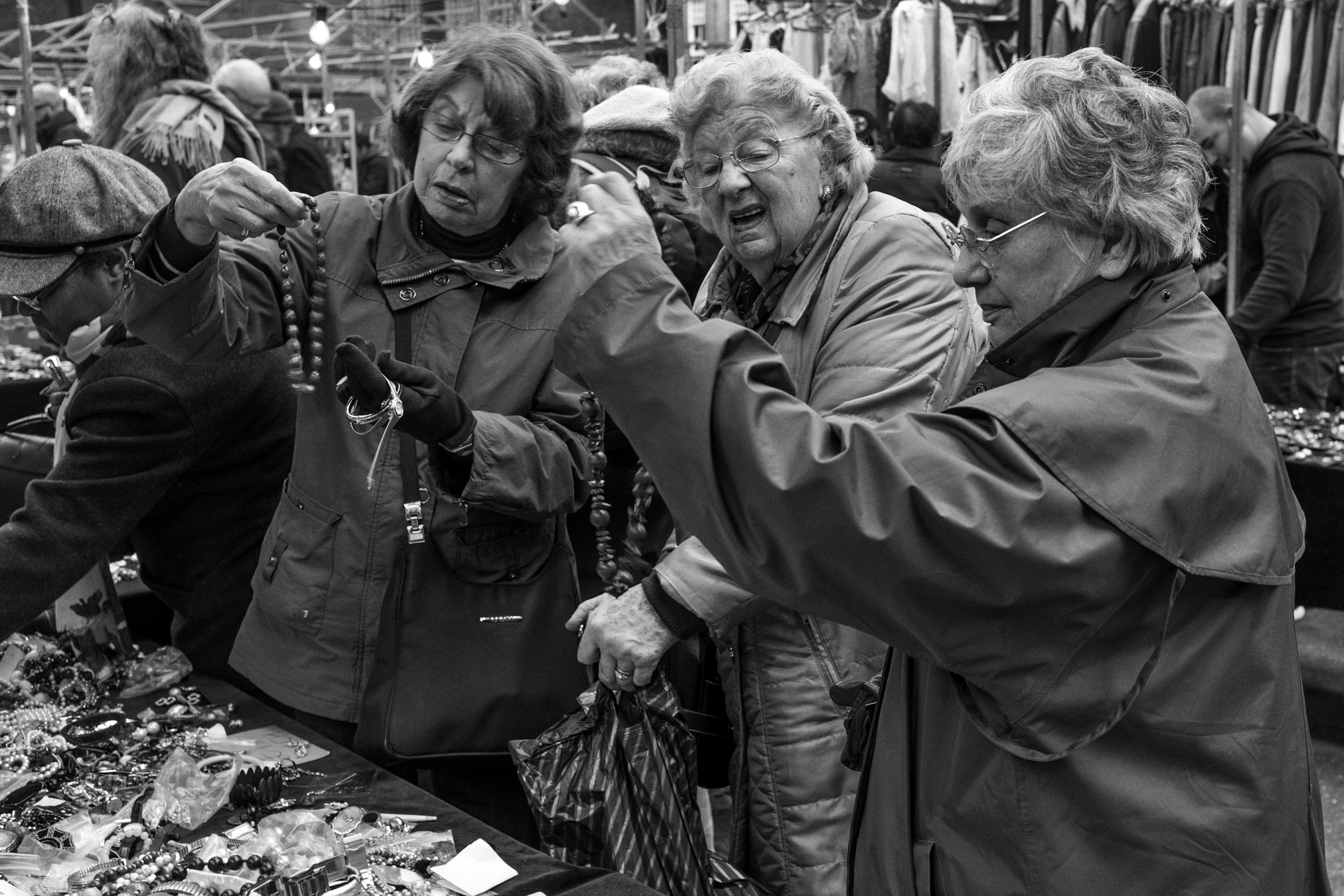 3 LADIES SHOPPING AT SPITAFIELDS.jpg