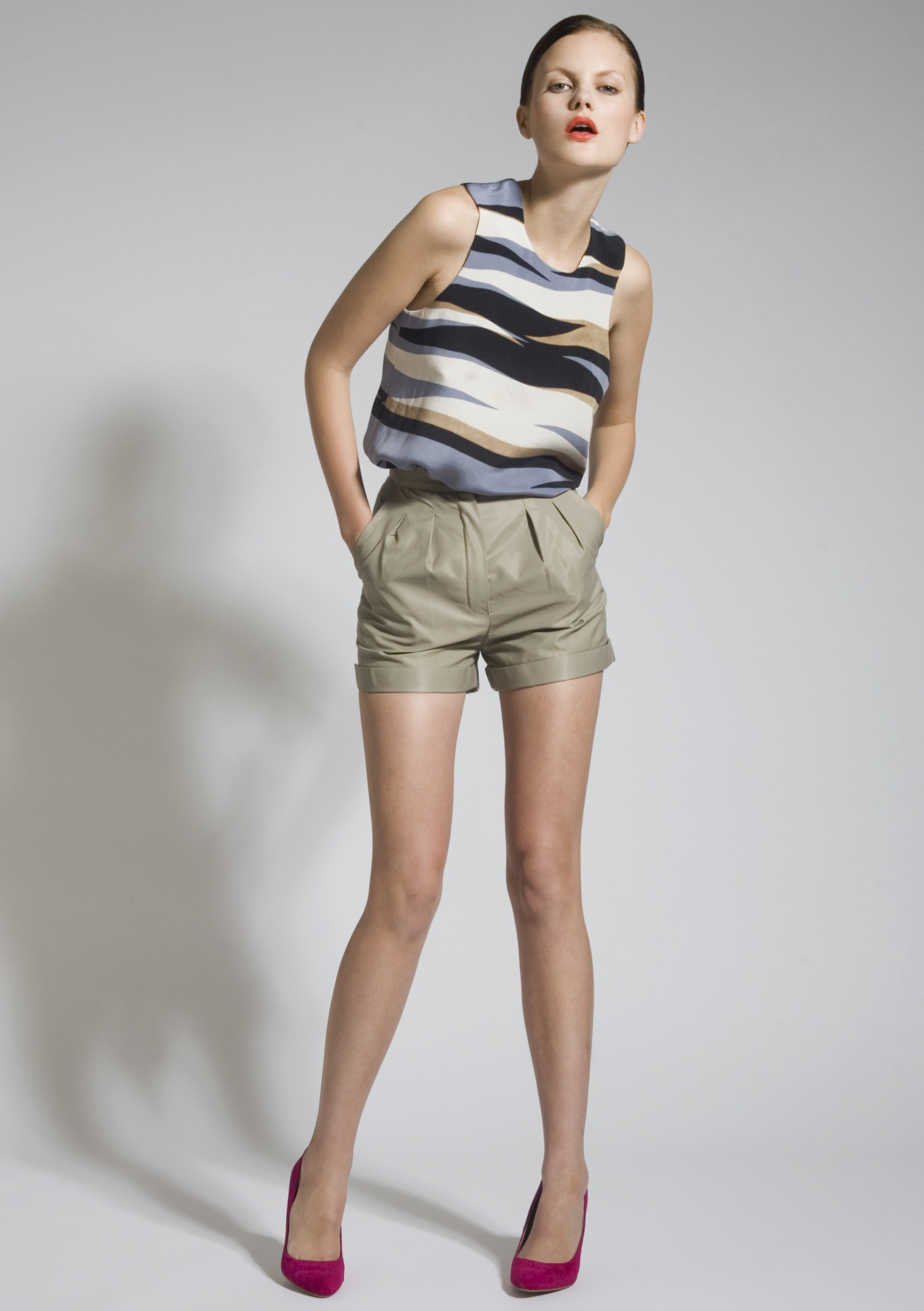 3 Silk Screen Vest, Cotton Mix Shorts.jpg