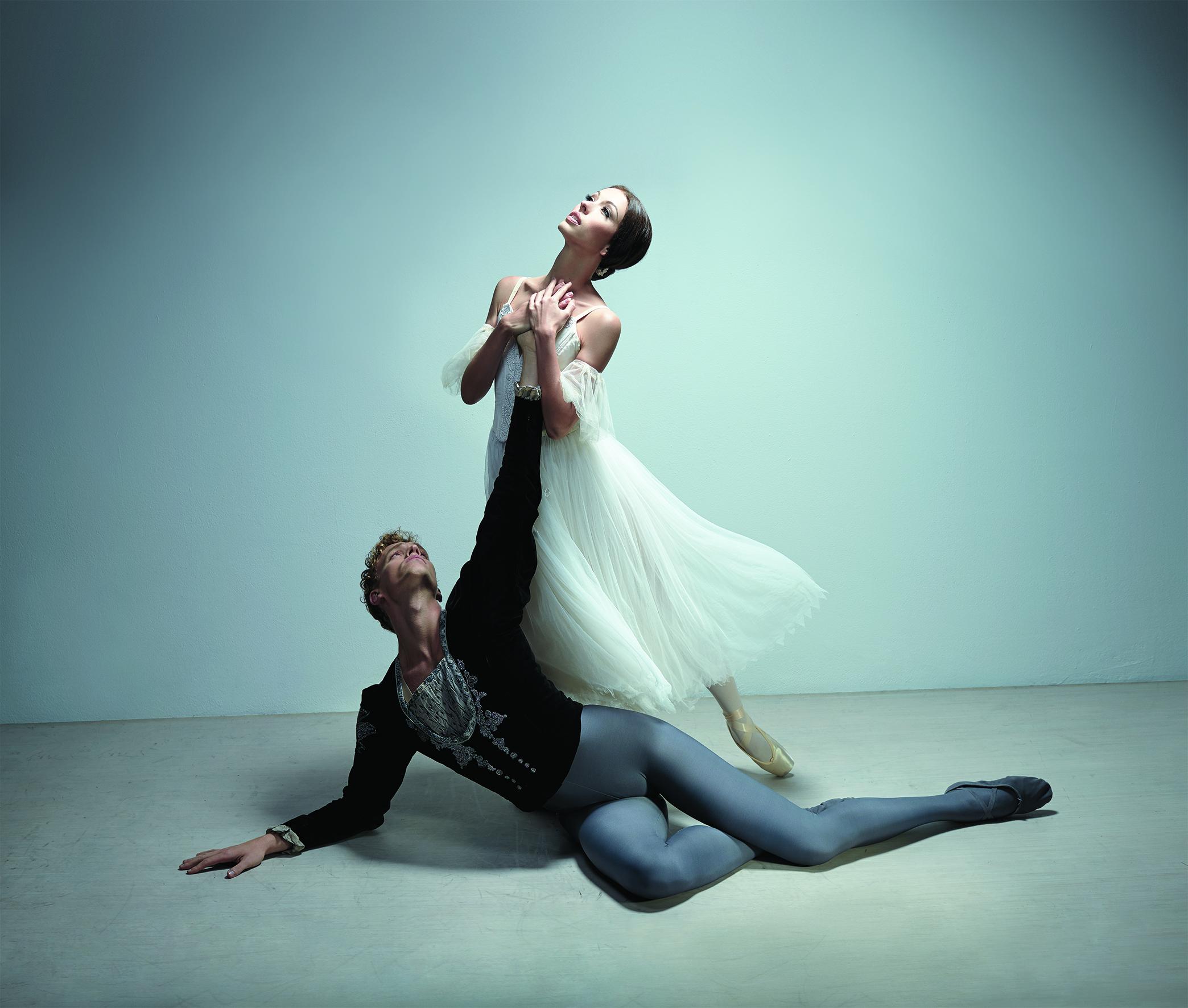 Juliet Burnett as Giselle with Adam Bull as Albrecht