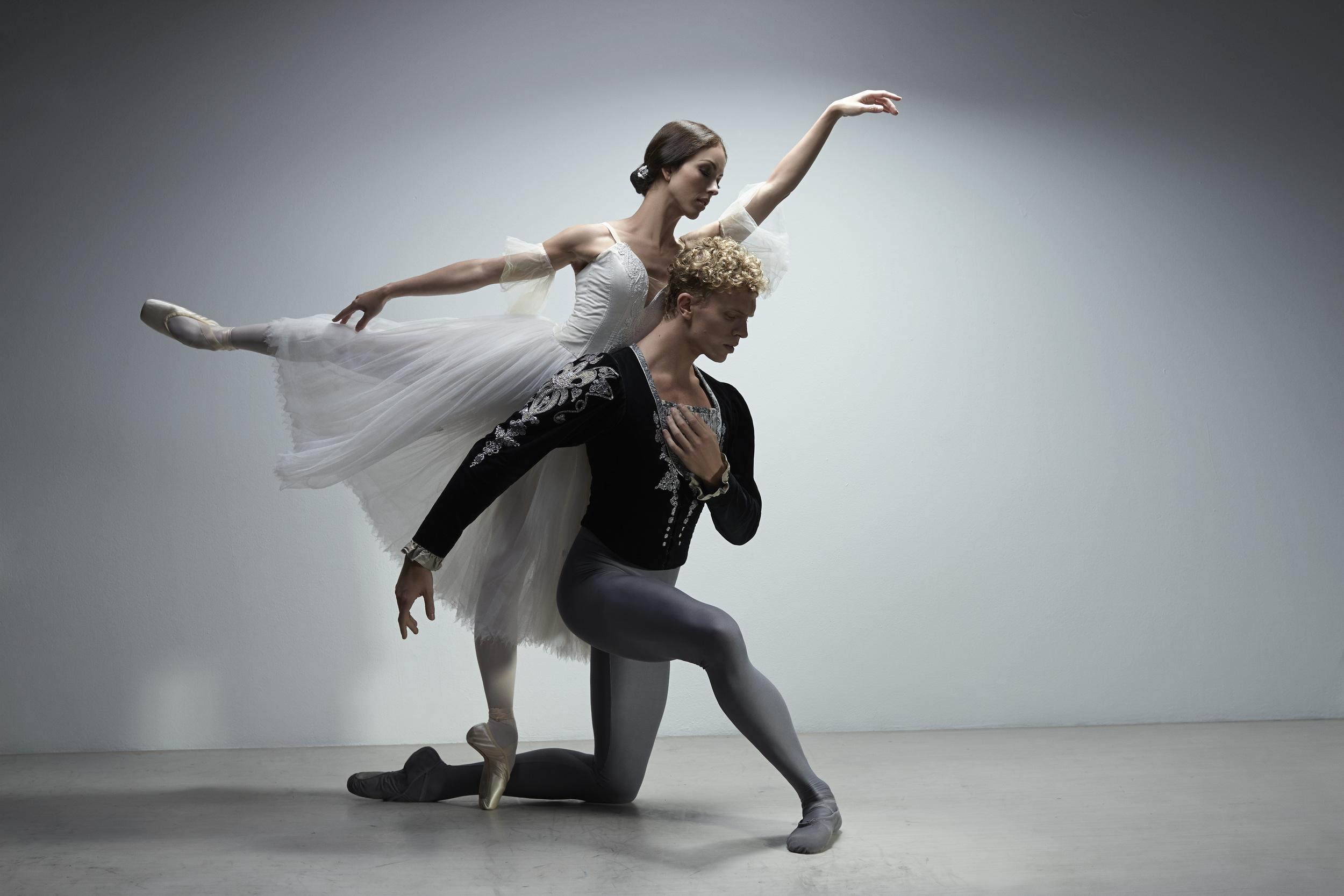 Juliet Burnett as Giselle and Adam Bull as Albrecht
