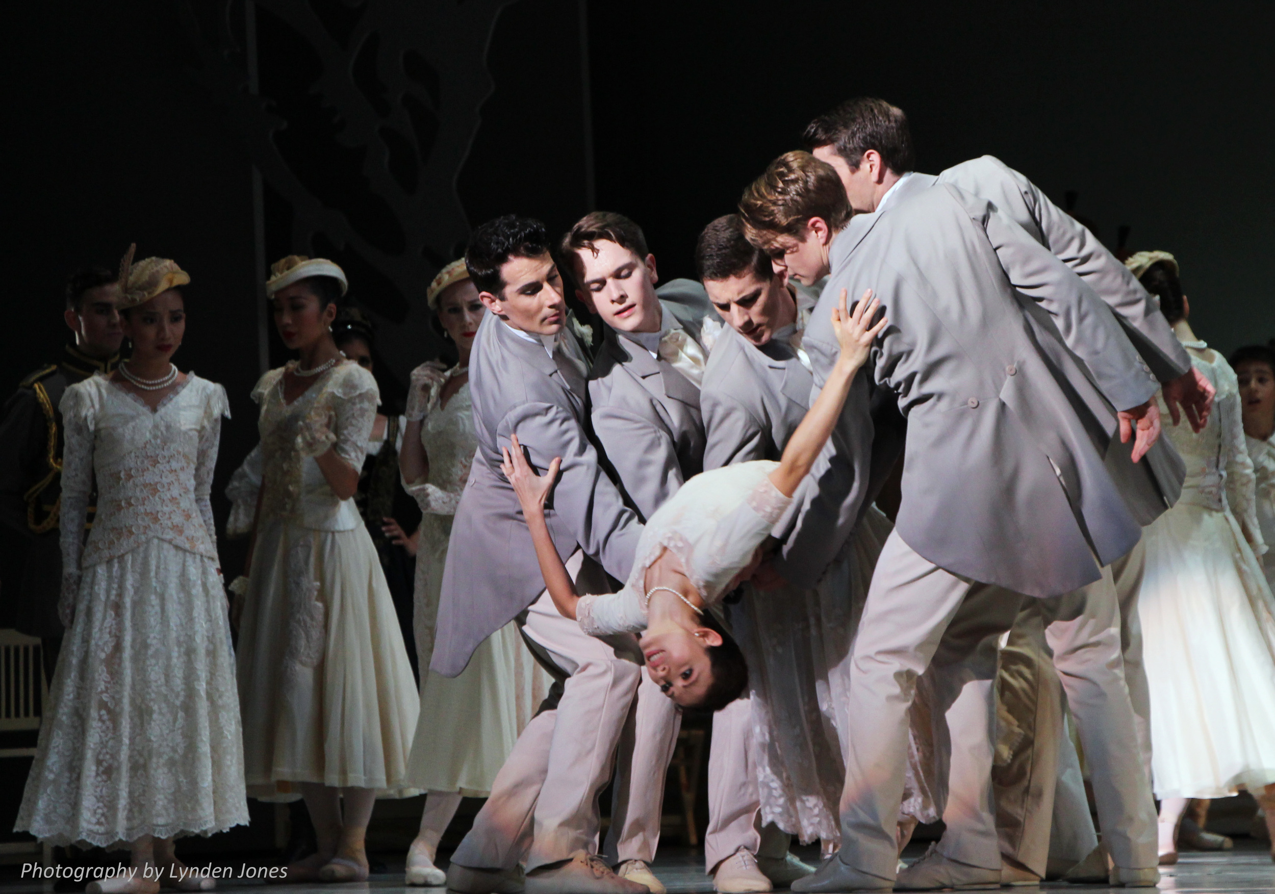 Juliet Burnett as Odette with artists of The Australian Ballet in Graeme Murphy's Swan Lake