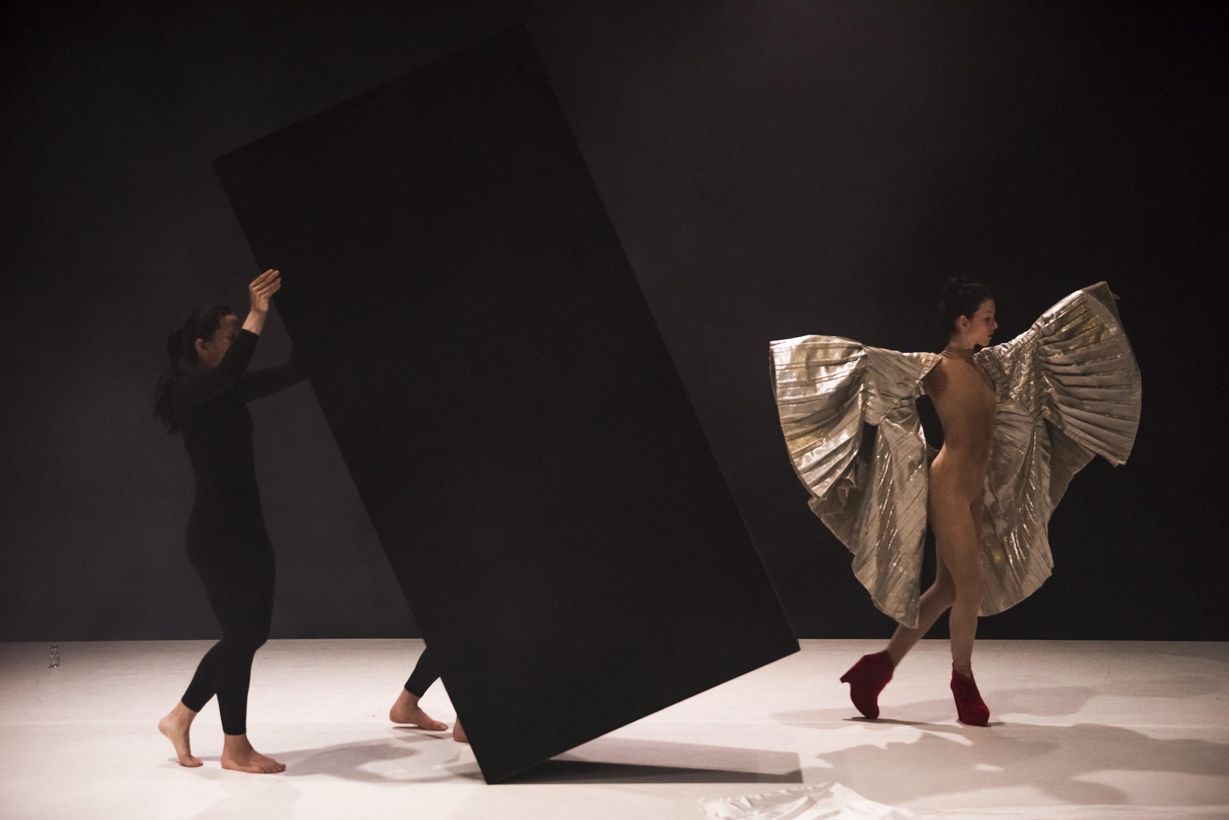 Juliet Burnett and Melanie Lane in Melanie Lane's Re-make | Chunky Move | 2016