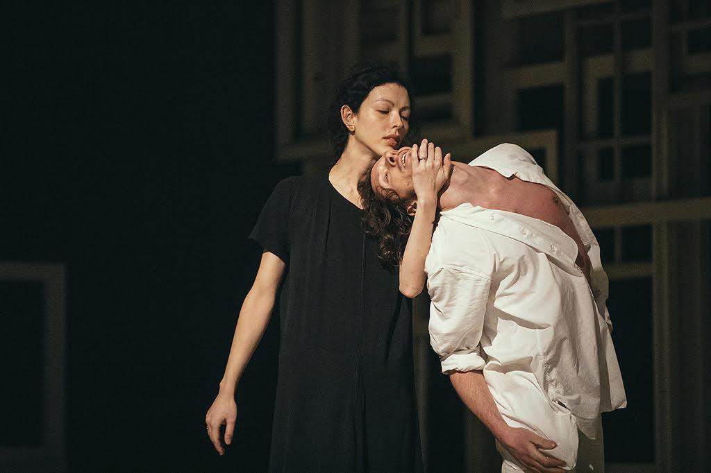 Juliet Burnett with Alain Honorez in Sidi Larbi Cherkaoui's Requiem
