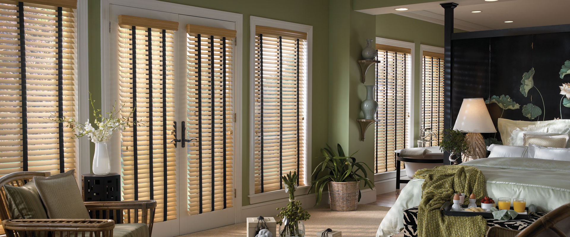 commercial-wood-blinds-top-banner.jpg