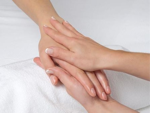 Hand massages are SO underrated! Treat clients & employees to a relaxing hand and arm massage with this SPARTY! Service.  After working on a computer all day, your guests will thank you! Learn : (646) 736-1777