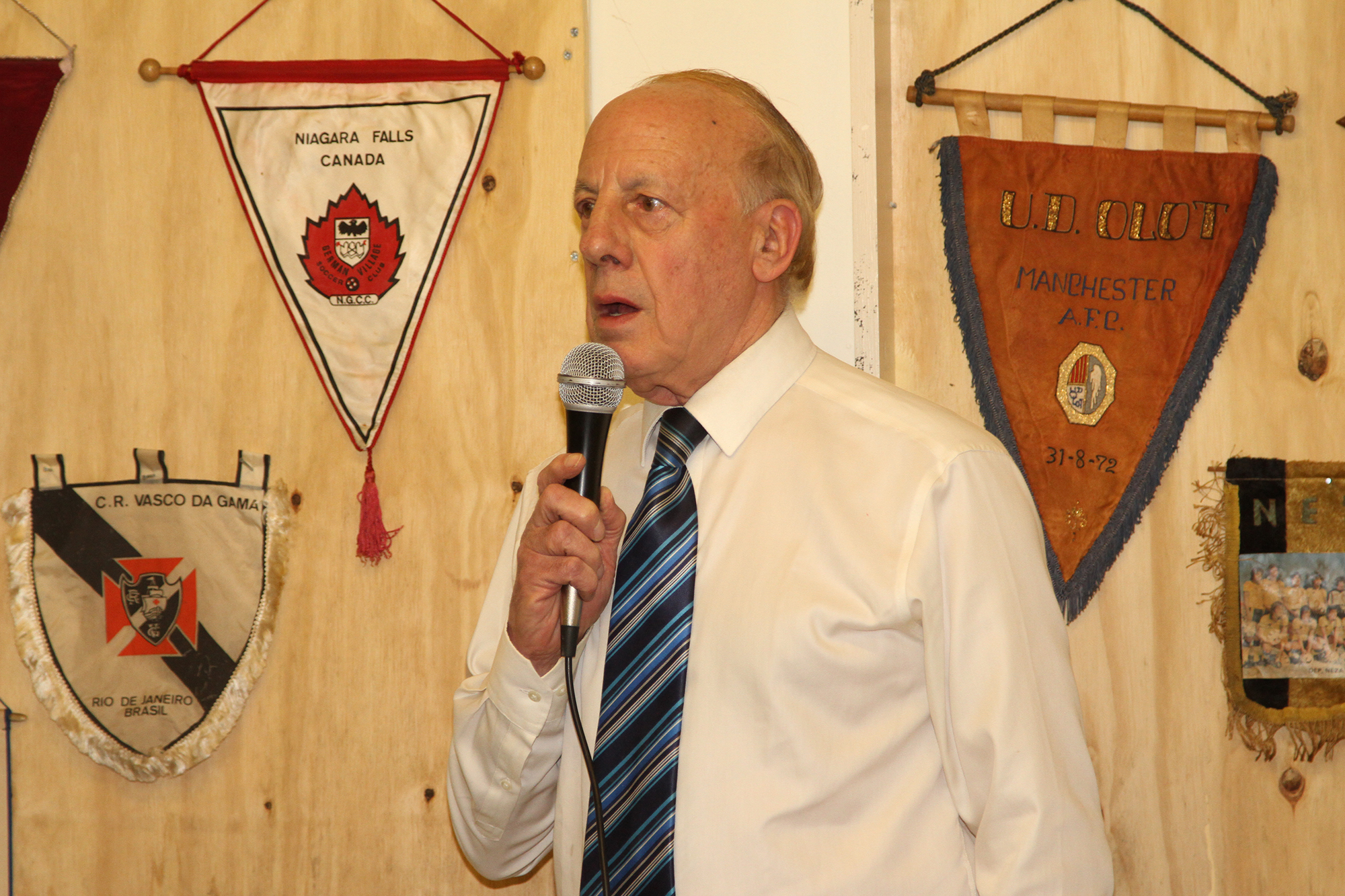 Club Chairman Chris Davies
