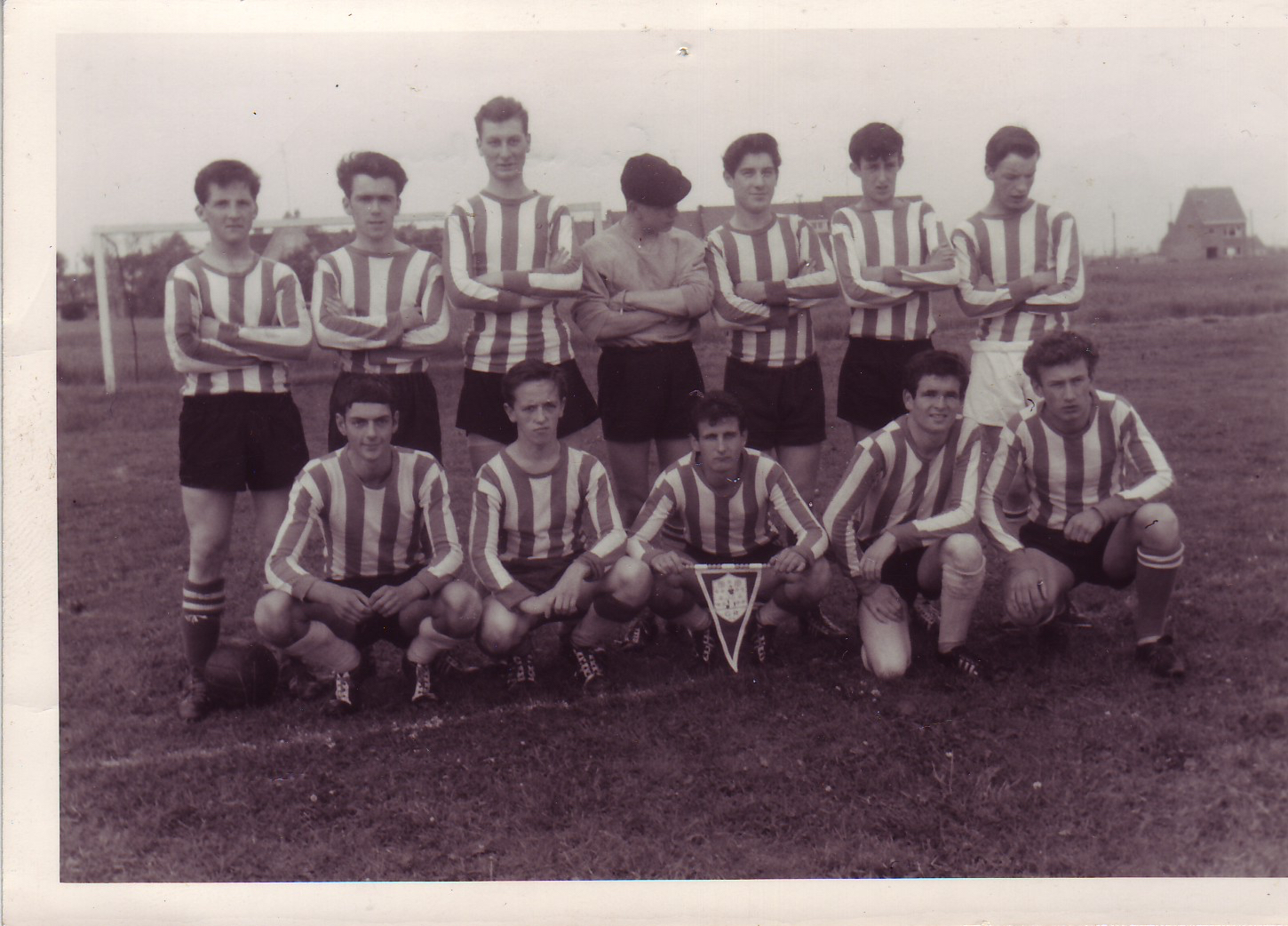 Another picture of one of the first Grasmere Rovers squads. Year unknown.