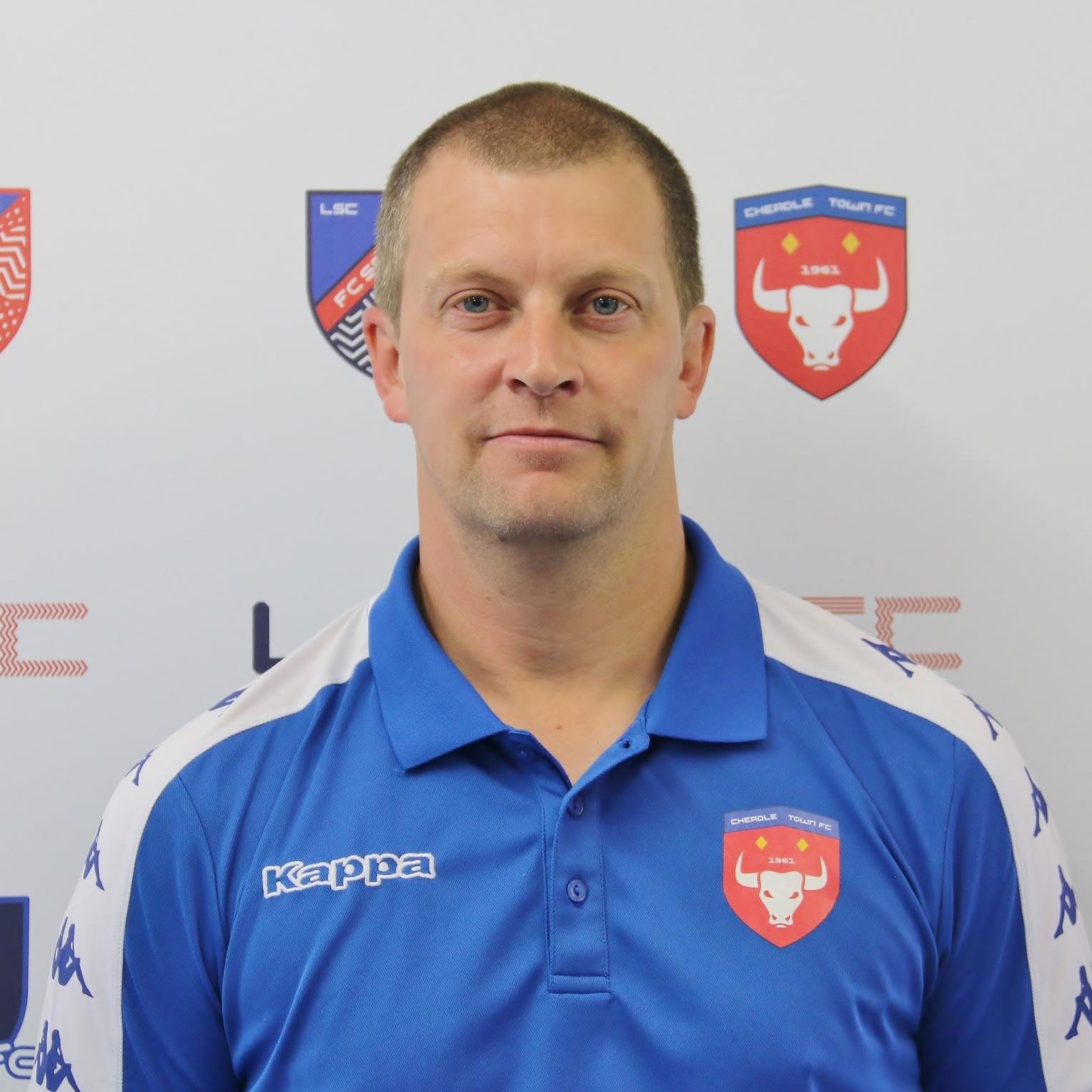 Steve Piggott (Goalkeeping Coach)