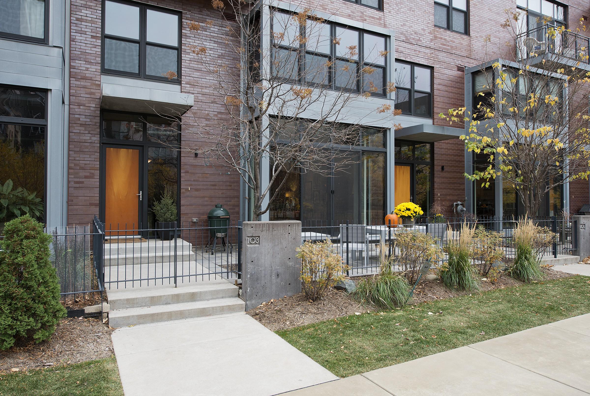 Park Ave #103 exterior 6.23.15.jpg