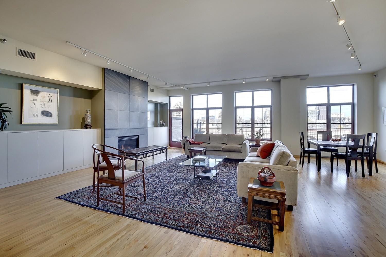 600+S.+2nd+#103+living+room+1.jpg